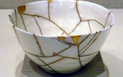 Kintsugi o dell'arte di riempire d'oro le ferite